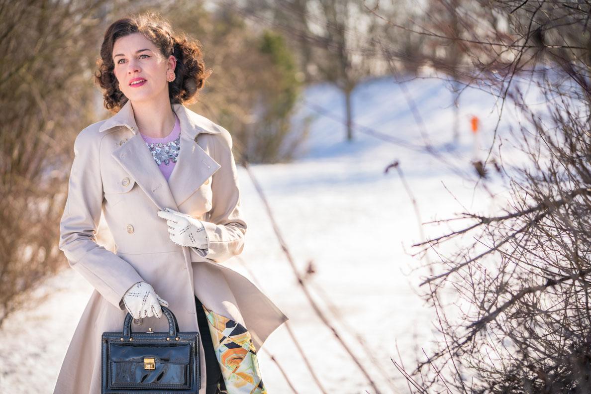 RetroCat mit einem Winter-Outfit von Ted Baker