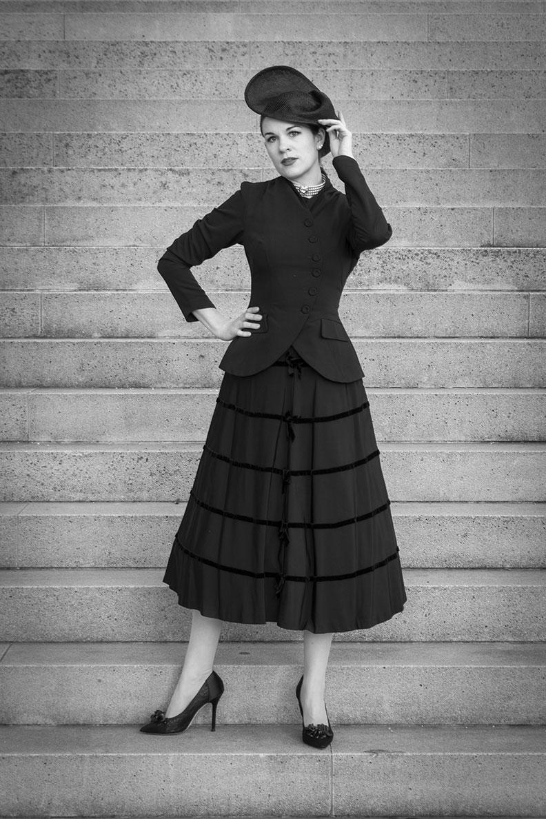 RetroCat wearing a vintage midi skirt form the 1950s