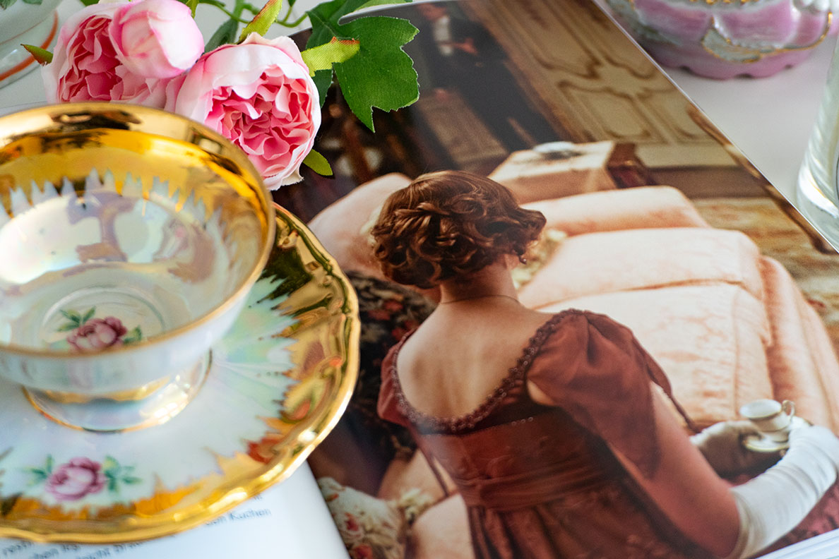 Blick ins Downton Abbey Teatime Buch