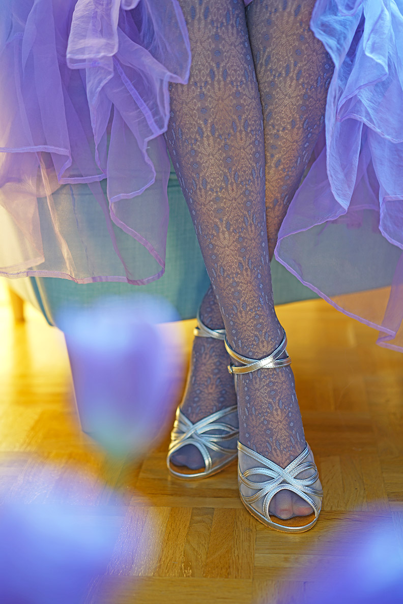 How to style patterned tights: RetroCat wearing lilac lace tights and a tulle skirt