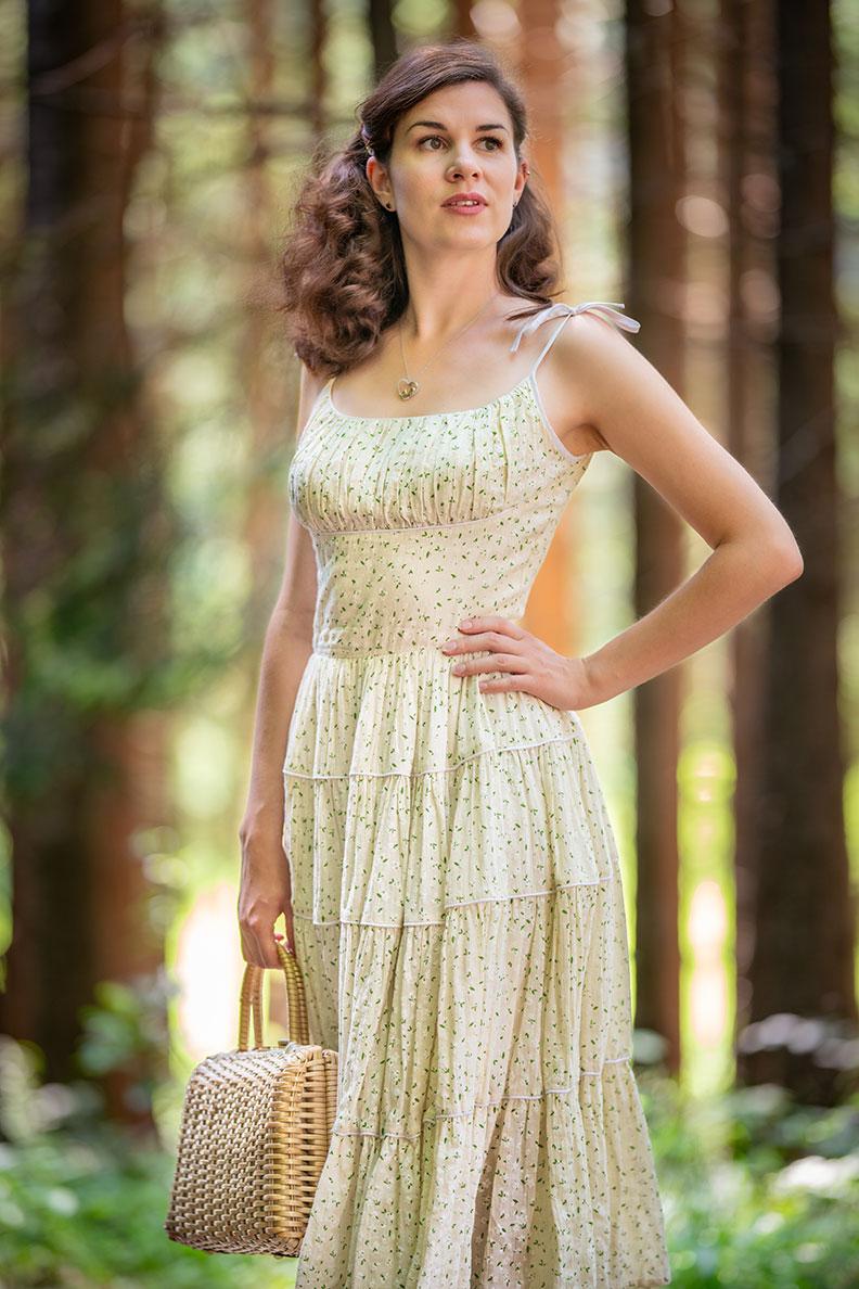 RetroCat wearing a light 50s style summer dress by Ginger Jackie