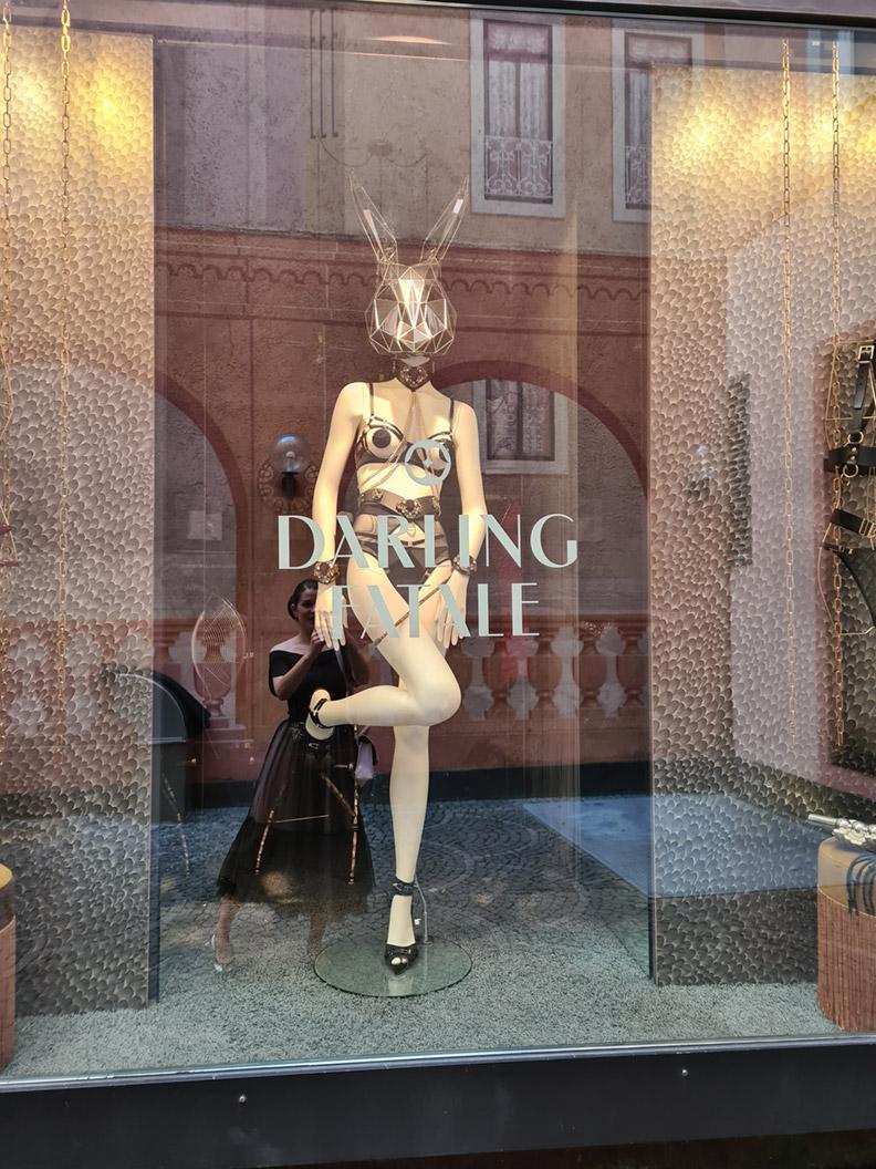 Das Schaufenster von Darling Fatale in München