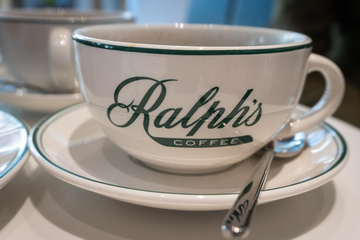 Das hübsche Geschirr von Ralph's Coffee